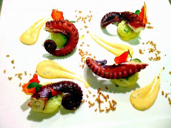 Shalai Restaurant : Polpo patata e mayoDragoncello