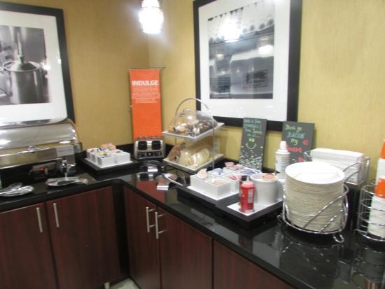 Hampton Inn Corinth: Another view of food selection