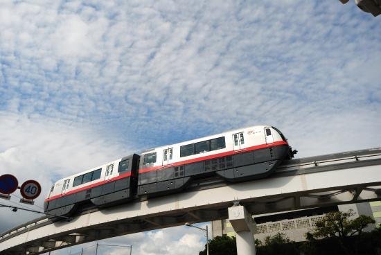 冲绳都市单轨电车