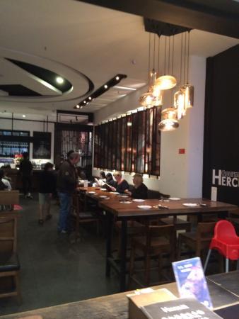 荷加斯hercules咖啡&美食广场(爱琴海店)