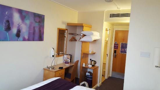 Premier Inn Glasgow City Centre (Charing Cross) Hotel: 20160403_100933_large.jpg