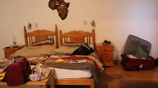 Tamboti Guest House: Liebloses und verlebtes Mobiliar