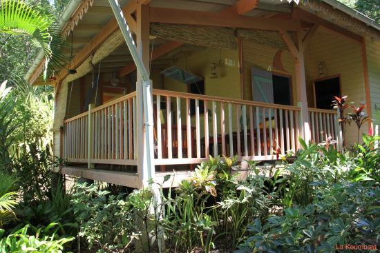 """La Koumbala: bungalow """"toucouleur"""""""
