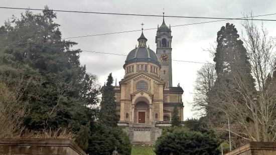 Kirche Enge : From street level