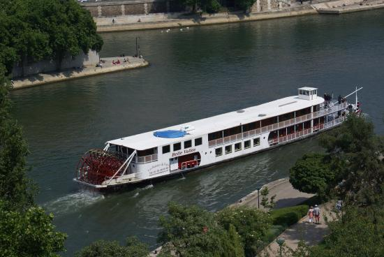 bateau aube picture of river seine paris tripadvisor. Black Bedroom Furniture Sets. Home Design Ideas