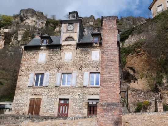 Maison ancienne photo de cascade de salles la source for De la maison avis