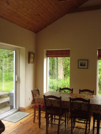 small cottage living room - Picture of Mallmore Country House ...