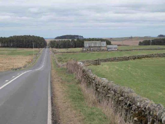 Grindon, UK: The Old Repeater Station is located a few hundred meters from Hadrian's Wall