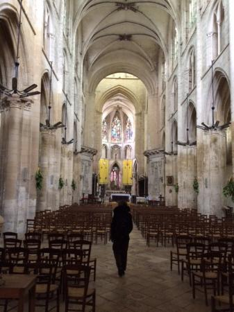 Saint-Pierre-sur-Dives, France : Eglise Abbatiele de Saint Pierre sur Dives on Easter afternoon 2016