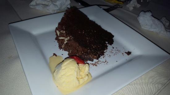 Calcot, UK: Big desserts