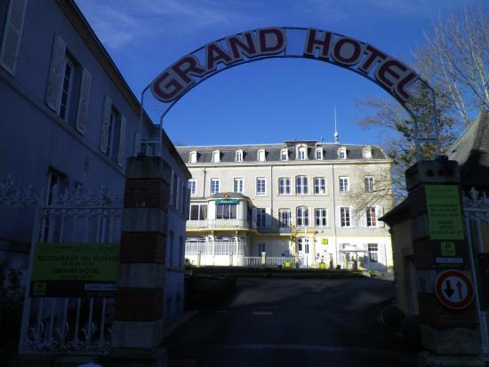 Le Grand Hotel : l'entrée de l'hôtel