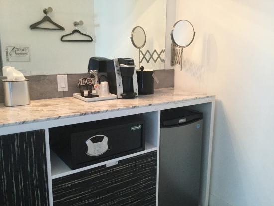 plenty of storage large drawers area under sink for empty rh tripadvisor com