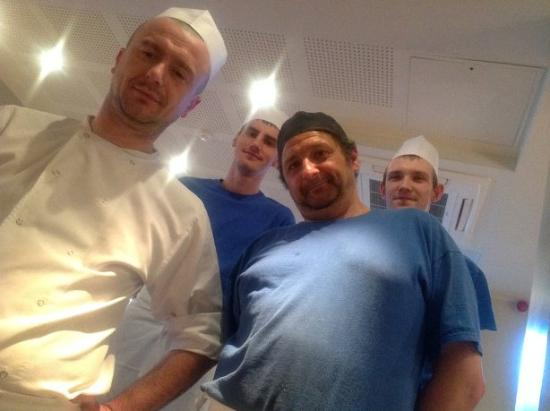 Hale, UK: Chefs team