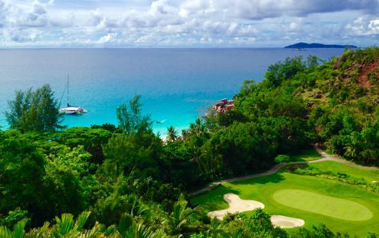 Constance Lemuria: Anse Georgette vista dal campo da golf