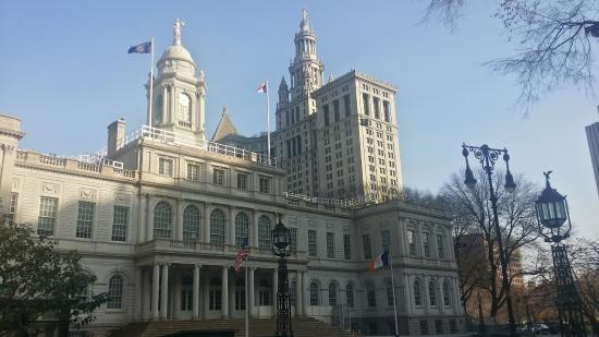 ‪New York City Hall‬