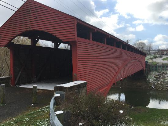 ‪Barrackville Covered Bridge‬