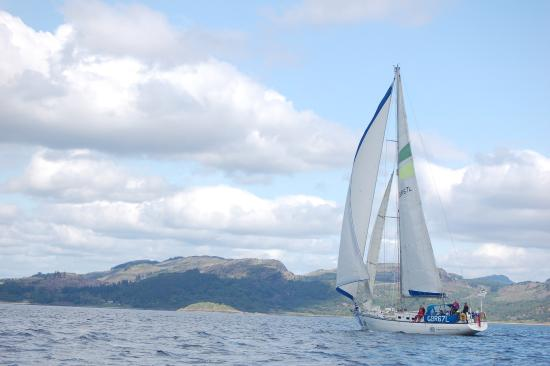 Inverkip, UK: Sailing in Scotland's beautiful west coast