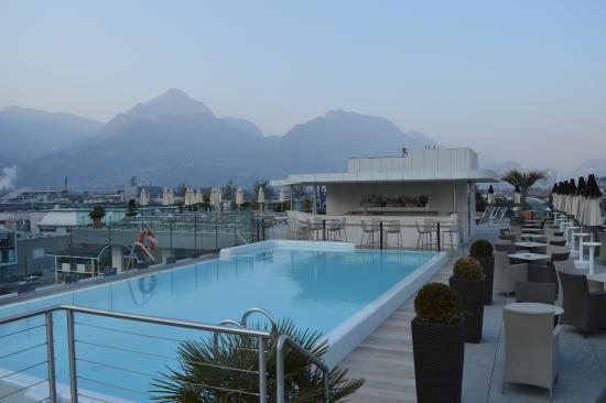 Hotel Kristal Palace - Tonelli Hotels: La piscina (fredda) del sesto piano