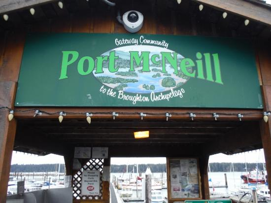 Port McNeill, Canadá: Harbour Fish Cleaning and Weighing Pavillion