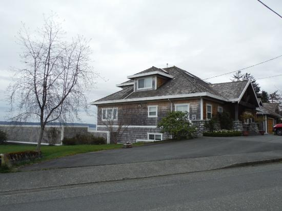 Beautiful Port McNeill Waterfront Homes