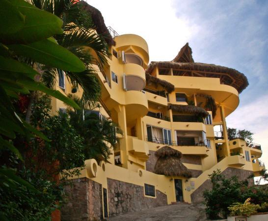 Casa Isabel: street view