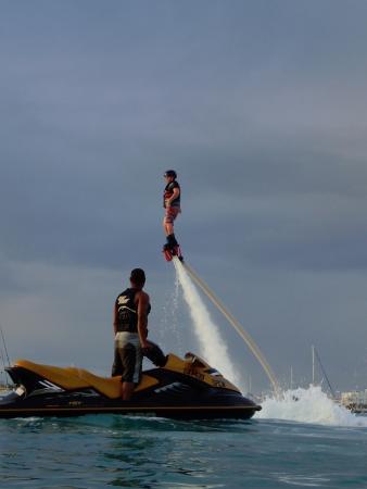 Simpson Bay, St-Martin/St Maarten: always watching for safety