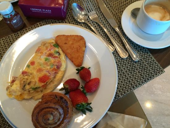 breakfast buffet with made to order omelet latte picture of rh tripadvisor com ph