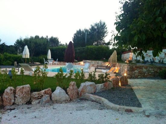 Lemoredinella: La piscina