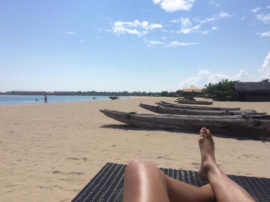 Sri Lanka Travel Services Sunbathe At The Beach