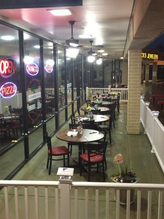 Siler City, North Carolina: Elizabeth's Pizza of Siler City