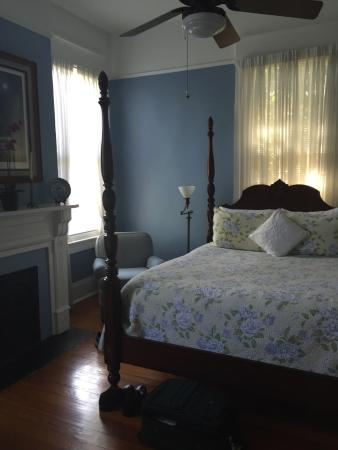 Southern Comfort Bed and Breakfast: Horizon Room