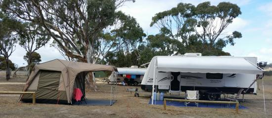 Discovery Lagoon Caravan & Camping Grounds: Large Family Sites
