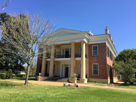 Natchez, MS: Melrose Plantation, good gardens down a path to the right