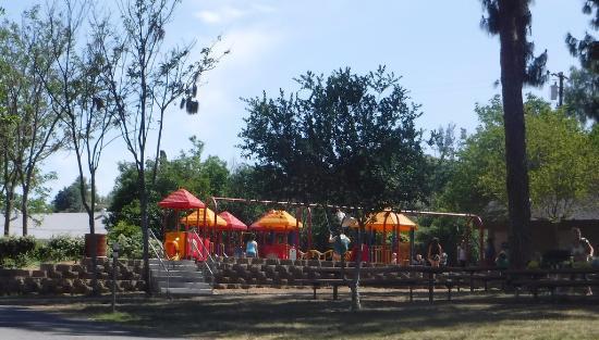 Lakeside, CA: детская площадка