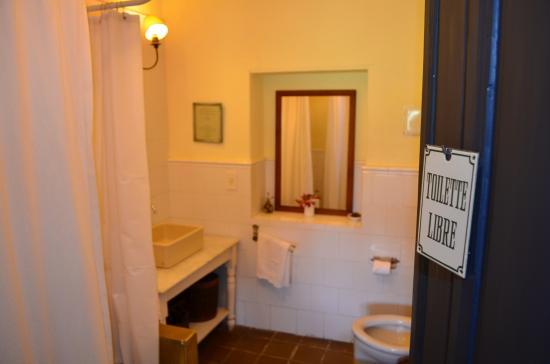 Dos Lunas Horse RIding Lodge : Baño de la habitación Tobiano