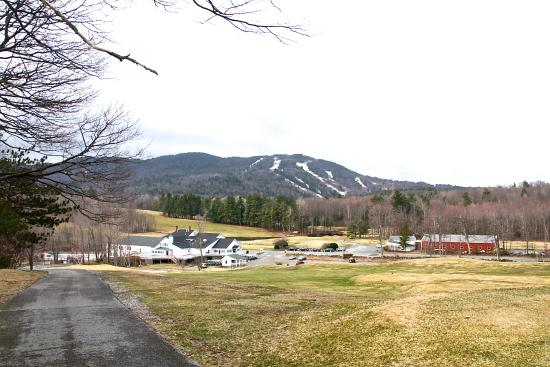 Francestown, NH: Beautiful view from one of the walkways through the golf course.