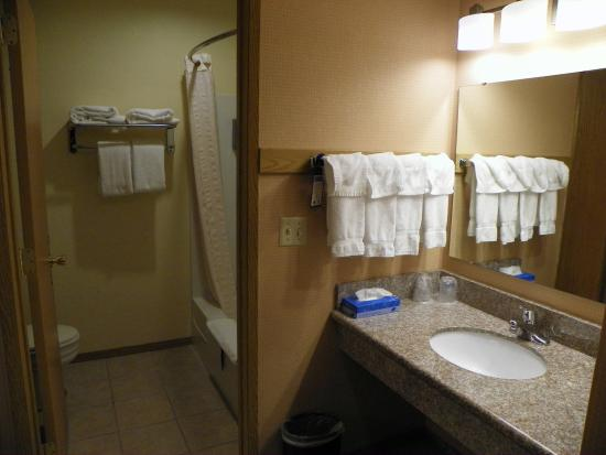 Best Western Plus Skagit Valley Inn and Convention Center: Bathroom