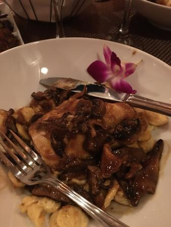 Dipaolo's Restaurant: Chocolate Torte and Chicken Marsala