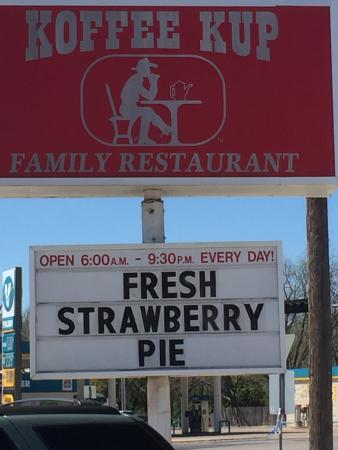 Hico, TX: Koffee Kup  well known for their pies.