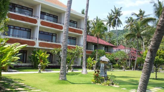 Hotel Genggong at Candidasa: Beautiful Gardens