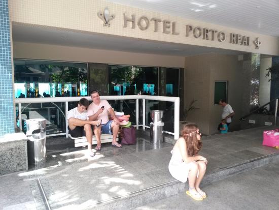 Hotel Porto Real: Aguardando a Van