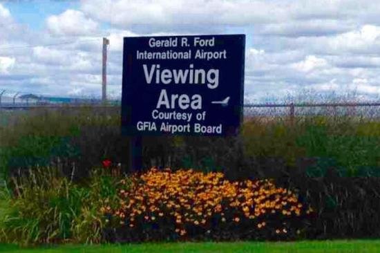 ‪Gerald R. Ford Airport Viewing Park‬