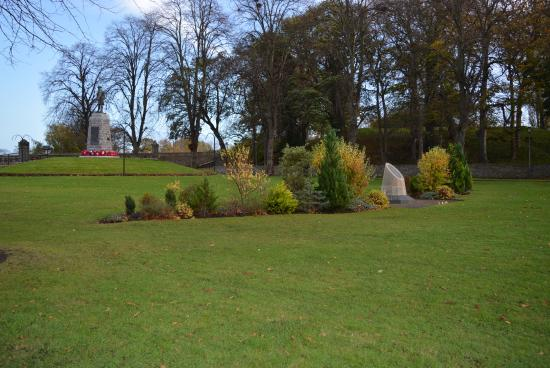 Forres, UK: Monument and scenery