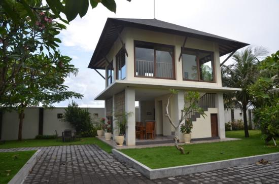 R & R Bali Bed and Breakfast Suites Photo