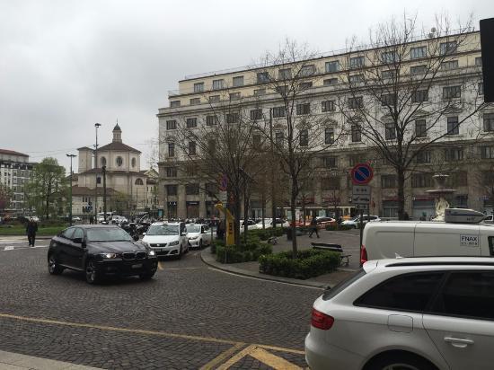 Вид на площадь Фантанов