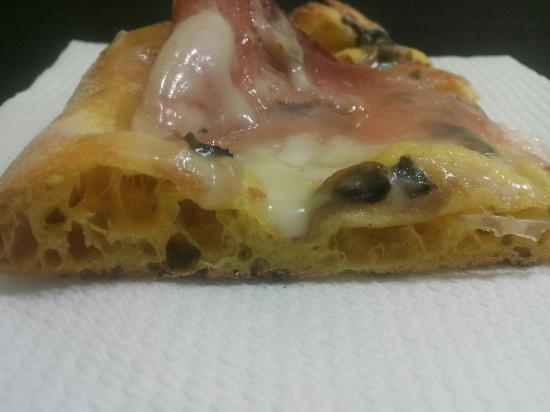 Pizzeria-Rosticceria l'Appetitosa: Focaccia ai 5 cereali,pizza con la Curcuma,pizza dessert e tante tante altre novità che troveret