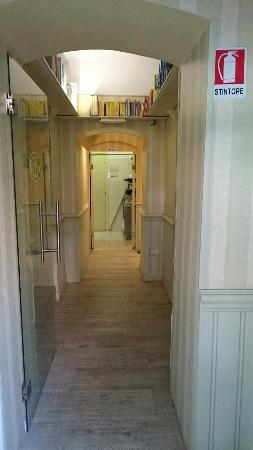 B&B Domus Citta' Giardino: Il corridoio