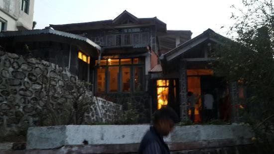 The Hermitage Kailash: 20160325_183526_large.jpg