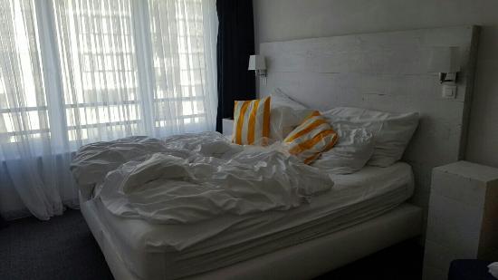 Avenue Beach Hotel: image-7304a02eb567338db5eedc0db4aff5ff71918b757c4d7da7b35c711aaae6c73b-V_large.jpg