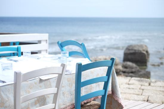 La terrazza sul mare - Picture of Taverna La Cialoma, Marzamemi ...
